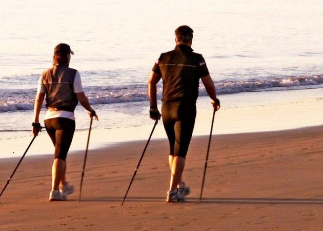 Nordic walking in spiaggia a Rimini